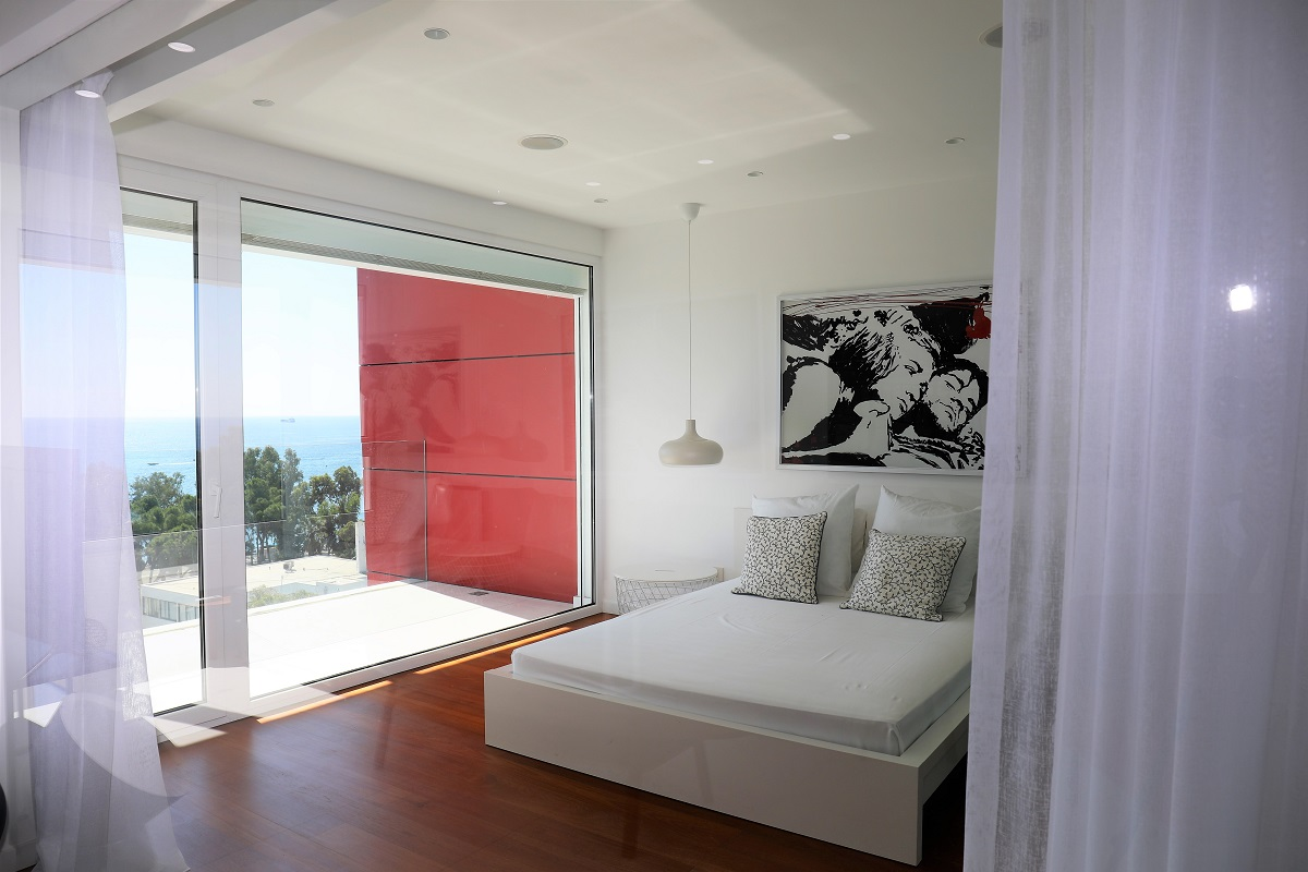 One bedroom flat in sea side with sea view