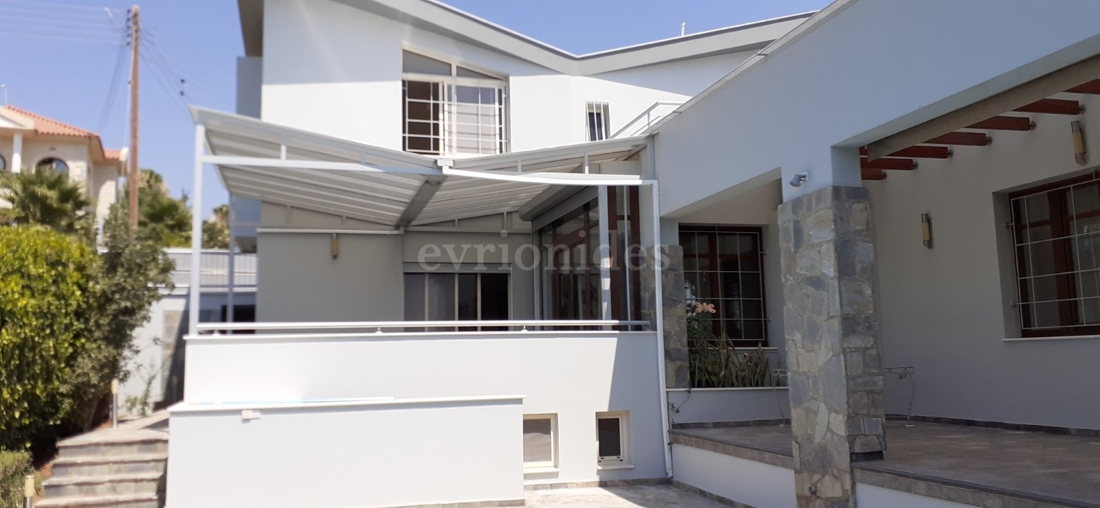 Villa in Agios Athanasios 3 bedroom in a huge plot