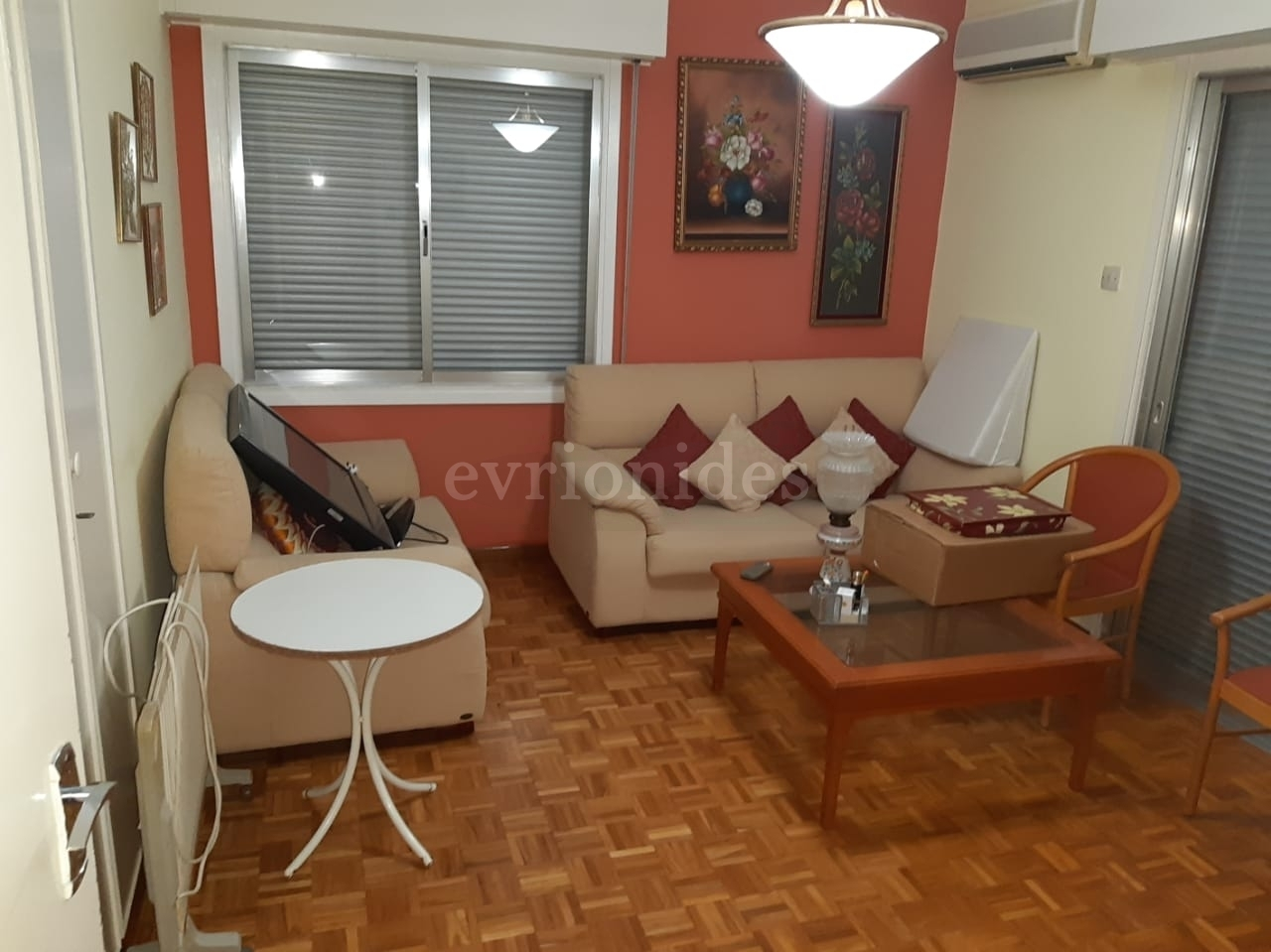 Ground floor 3 bedroom apartment in town center
