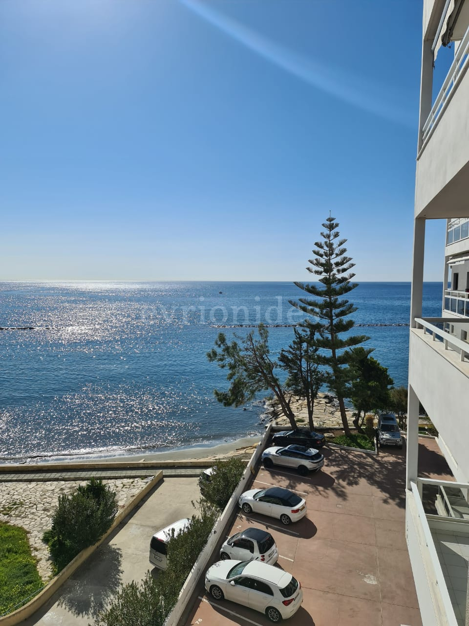 One bedroom apartment on the beach with amazing sea view