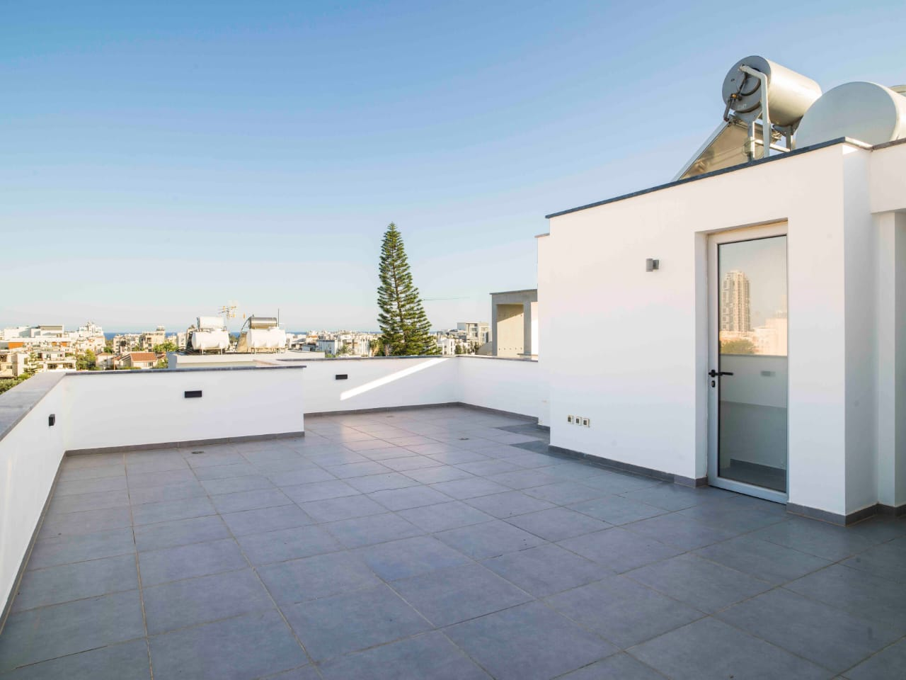 2 Bedroom Furnished Apartment Roof Garden