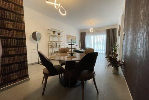 104 1 Living Room 4