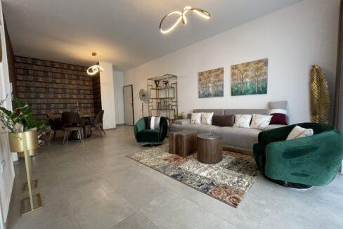 104 1 Living Room 6