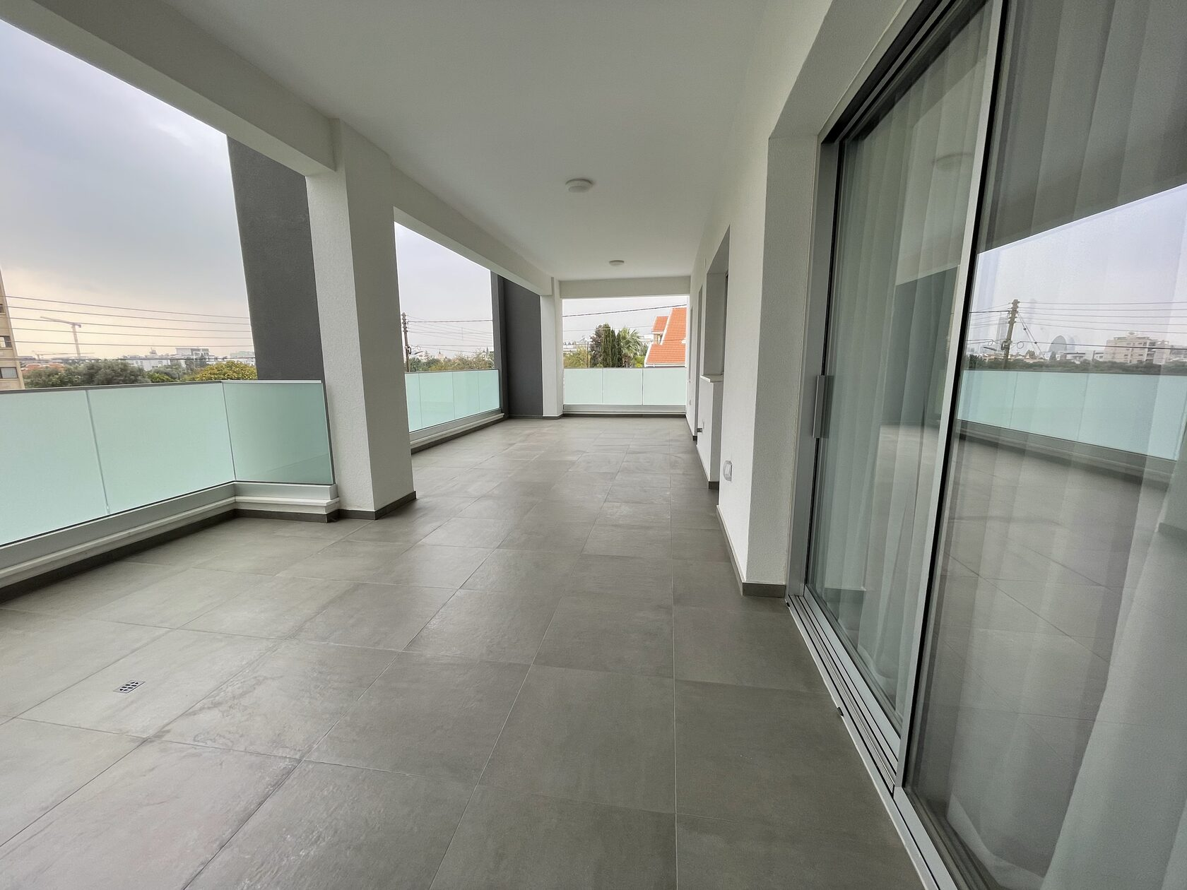 NEW 3 BEDROOM MODERN  APARTMENT IN PAPAS AREA