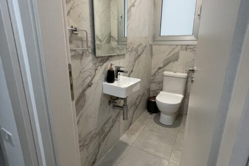 104 4 Bathrooms 2