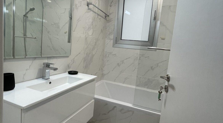 104 4 Bathrooms 3