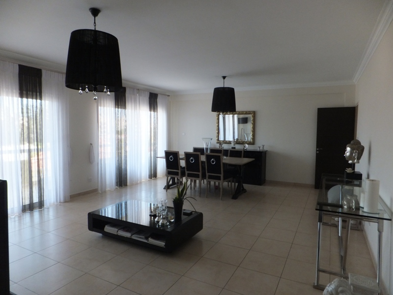 Exclusive Modern 3 Bedroom Apartment In Crowne Plaza Area (1)