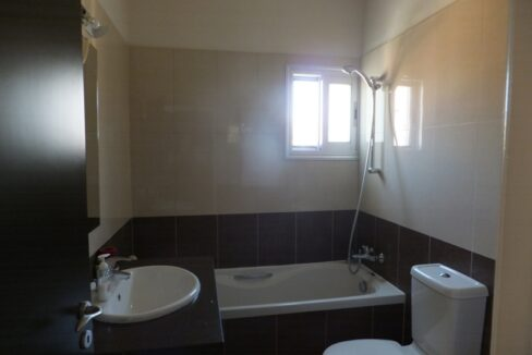 Exclusive Modern 3 Bedroom Apartment In Crowne Plaza Area (10)