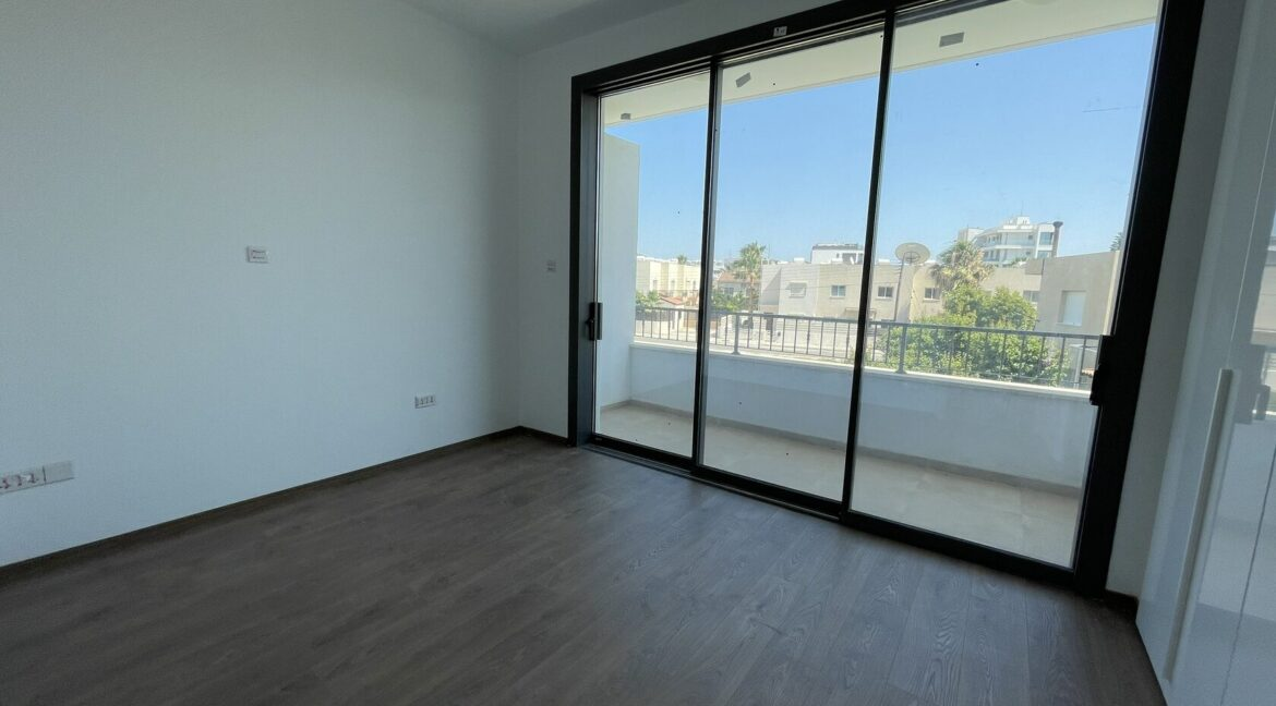 Three Bedroom Three Floors Townhouse In The New Secured Complex (10)
