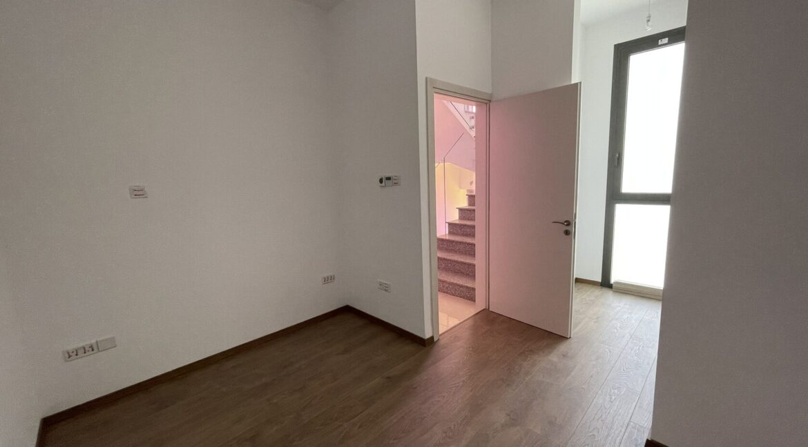 Three Bedroom Three Floors Townhouse In The New Secured Complex (12)