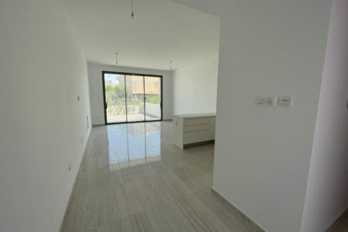 Three Bedroom Three Floors Townhouse In The New Secured Complex (20)